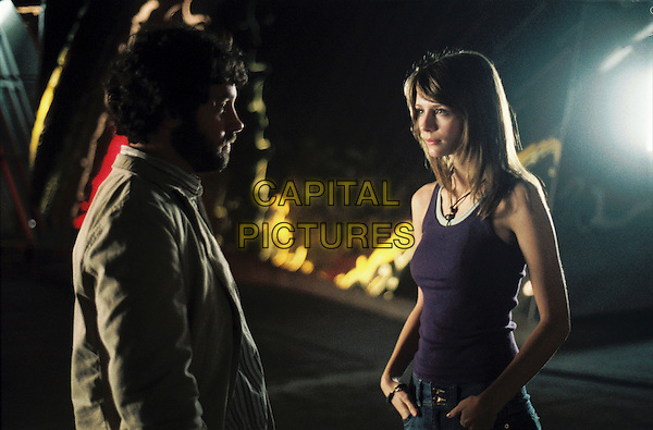 PAUL RUDD & MISCHA BARTON.in The OH in Ohio.*Editorial Use Only*.www.capitalpictures.com.sales@capitalpictures.com.Supplied by Capital Pictures.