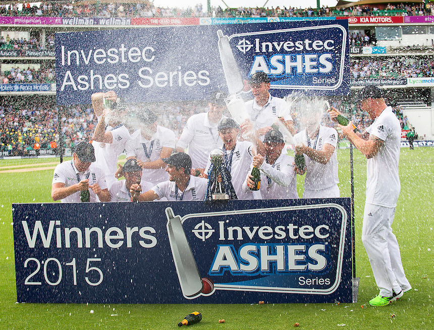 England's Alastair Cook clutches the urn as they celebrate winning back the Ashes 3-2<br /> <br /> Photographer Ashley Western/CameraSport<br /> <br /> International Cricket - Investec Ashes Test Series 2015 - Fifth Test - England v Australia - Day 4 - Sunday 23rd August 2015 - Kennington Oval - London<br /> <br /> &copy; CameraSport - 43 Linden Ave. Countesthorpe. Leicester. England. LE8 5PG - Tel: +44 (0) 116 277 4147 - admin@camerasport.com - www.camerasport.com