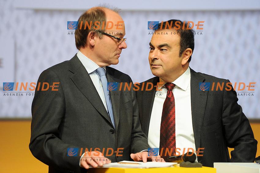 Dominique Thormann Direttore finanziario Renault e Carlos Ghosn Amministratore delegato gruppi Renault Nissan .Boulogne 16/2/2012 .Conferenza stampa di presentazione dei risultati 2011 del gruppo Renault.Foto Insidefoto / Lionel Urman / Panoramic