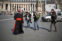 Oltre 5000 giornalisti, provenienti da tutto il mondo, si sono accreditati in Vaticano per seguire l'elezione del nuovo Papa trasformando Piazza San Pietro in un enorme studio televisivo.