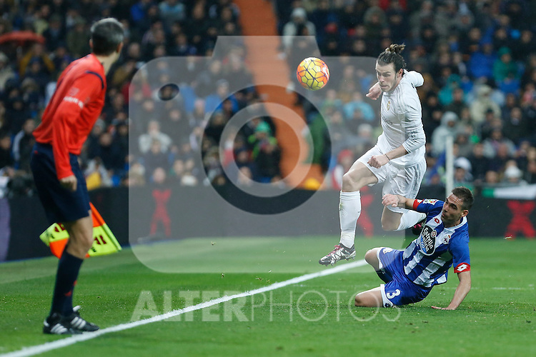 Real Madrid´s Gareth Bale and Deportivo de la Coruna´s Fernando Navarro during 2015/16 La Liga match between Real Madrid and Deportivo de la Coruna at Santiago Bernabeu stadium in Madrid, Spain. January 09, 2015. (ALTERPHOTOS/Victor Blanco)