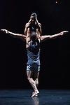 BONACHELA Rafael - Sydney Dance Company - Lux Tenebris