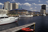 AJ3346, Norfolk, Virginia, Waterfront and high-rise buildings on the harbor in Norfolk in the state of Virginia.