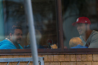 Russell Crowe eating dinner with his kids and Sam Burgess