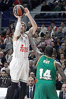 Real Madrid's Andres Nocioni (l) and Panathinaikos Athens' James Gist during Euroleague match.January 22,2015. (ALTERPHOTOS/Acero) /NortePhoto<br />