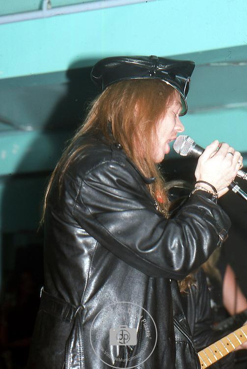Guns-N-Roses-182.jpg