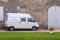 transport van chateau de rully burgundy france