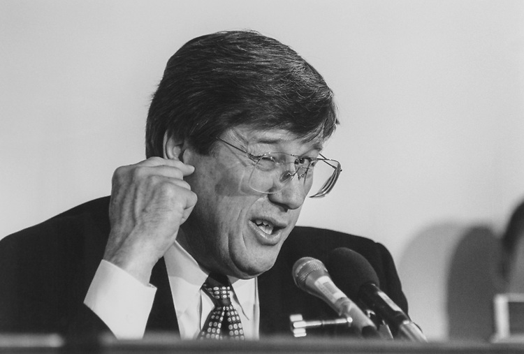 Rep. Bill Thomas, R-Calif., during House Oversight meeting on Feb. 8, 1995. (Photo by Maureen Keating/CQ Roll Call via Getty Images)