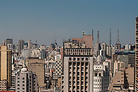SÃO PAULO-SP-30,10,2014-CLIMA TEMPO SÃO PAULO/EDIFÍCIO MARTINELLI - A camada de poluição sobre a cidade está tênue com temperatura  maxima de até 33° e temperatura média de 30° na capital paulista.Região central da cidade de São Paulo,na manhã dessa quinta-feira,30(Foto:Kevin David/Brazil Photo Press)