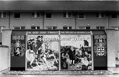 Derry 1970s northern ireland homer sykes for Telephone mural 1970