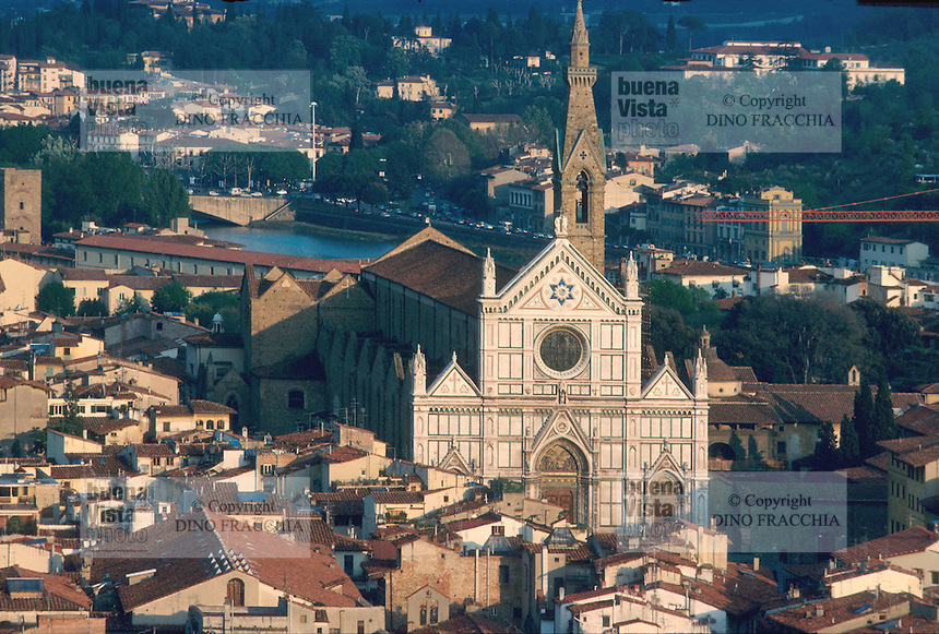 - Florence, town panorama with the S.Croce church....- Firenze, panorama della città con la chiesa di S.Croce..