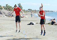 20180302 - LARNACA , CYPRUS :  Belgian Heleen Jaques and Celien Guns (r) pictured during a Muscular warm up training session on the beach before a women's soccer game between The Belgian Red Flames and Spain , on friday 2 March 2018 on the CTO Beach in Larnaca , Cyprus . The game will be the second game in group B for Belgium during the Cyprus Womens Cup , a prestigious women soccer tournament as a preparation on the World Cup 2019 qualification duels. PHOTO SPORTPIX.BE | DAVID CATRY