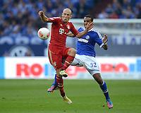 FUSSBALL   1. BUNDESLIGA  SAISON 2012/2013   4. Spieltag FC Schalke 04 - FC Bayern Muenchen      22.09.2012 Arjen Robben (li, FC Bayern Muenchen) gegen Joel Matip (FC Schalke 04)