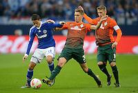 FUSSBALL   1. BUNDESLIGA    SAISON 2012/2013    11. Spieltag   FC Schalke - 04 Werder Bremen                              10.11.2012 Ibrahim Afellay (li, FC Schalke 04) gegen Nils Petersen und Aaron Hunt (re, beide SV Werder Bremen)