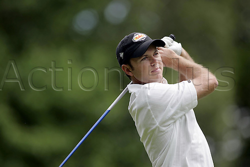 29 May 2005: South African golfer Richard Sterne (RSA) looks into the distance after playing from the tee during the final round of the BMW Championship at Wentworth. Photo: Neil Tingle/actionplus..050529 man men golf player
