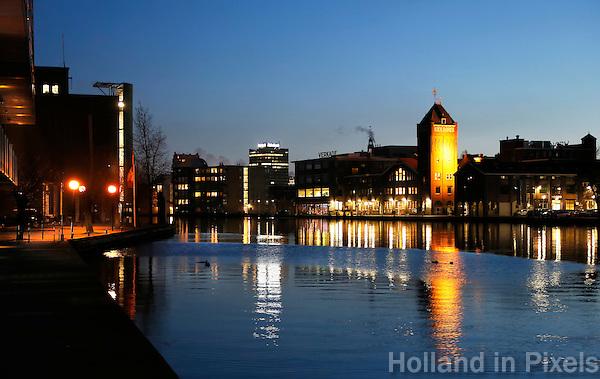 Nederland Zaandam 2017. Bedrijven aan de Zaan. Rechts de oude Verkade fabriek.  Foto Berlinda van Dam / Hollandse Hoogte