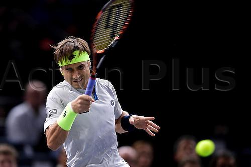 06.11.2015. Paris, France BNP Paribas Master Tennis, Bercy. Semi-finals match between Andy Murray( GBR) and david Ferrrer.  David Ferrer (Esp) returns
