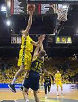 09.06.2019, EWE Arena, Oldenburg, GER, easy Credit-BBL, Playoffs, HF Spiel 3, EWE Baskets Oldenburg vs ALBA Berlin, im Bild<br /> Viojdan STOJANOVSKI (EWE Baskets Oldenburg #19 )<br /> Martin HERMANNSON (ALBA Berlin #15 )<br /> Foto © nordphoto / Rojahn