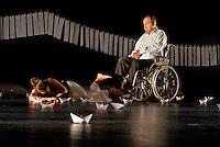 """casa dei risvegli, Bologna, Italia. Trattamento dei casi vegetativi e post-vegetativi Compagnia teatrale """"Gli amici di Luca"""", teatroe handicap"""