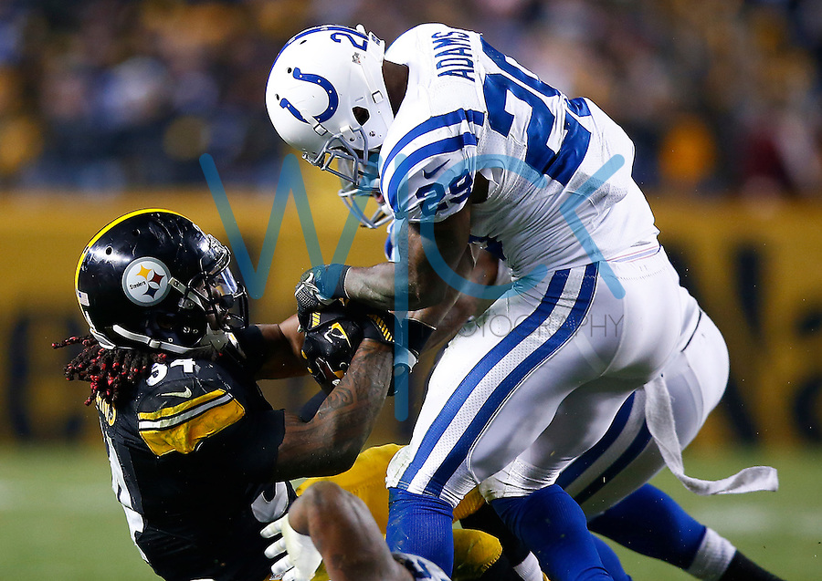 DeAngelo Williams #34 of the Pittsburgh Steelers in action against the Indianapolis Colts during the game at Heinz Field on December 6, 2015 in Pittsburgh, Pennsylvania. (Photo by Jared Wickerham/DKPittsburghSports)