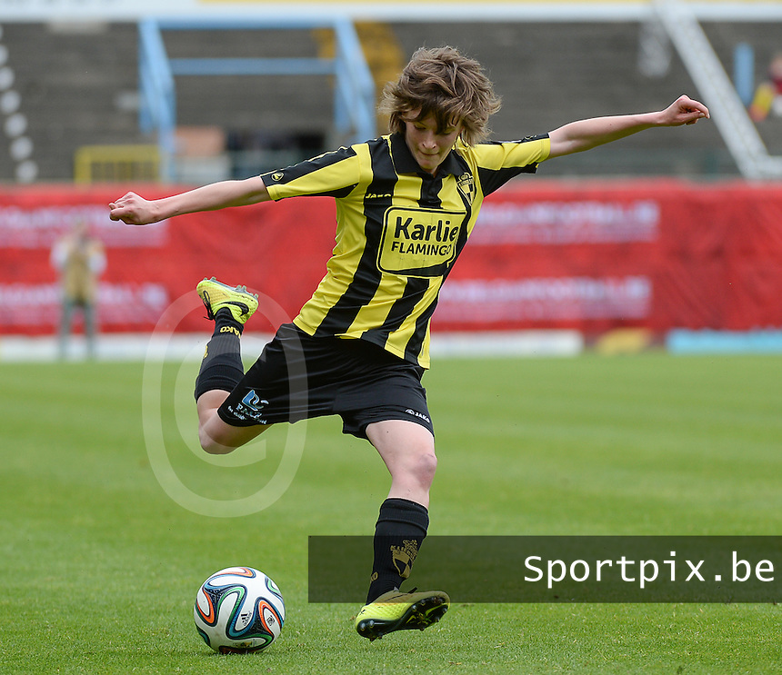 20150514 - BEVEREN , BELGIUM : Lierse's Tinne Van Den Bergh pictured during the final of Belgian cup, a soccer women game between SK Lierse Dames and Club Brugge Vrouwen , in stadion Freethiel Beveren , Thursday 14 th May 2015 . PHOTO DAVID CATRY