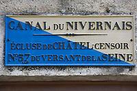 Europe/France/Bourgogne/89/Yonne/ Chatel-Censoir: détail écluse sur le canal du Nivernais vallée de l'Yonne - Plaque d'identification