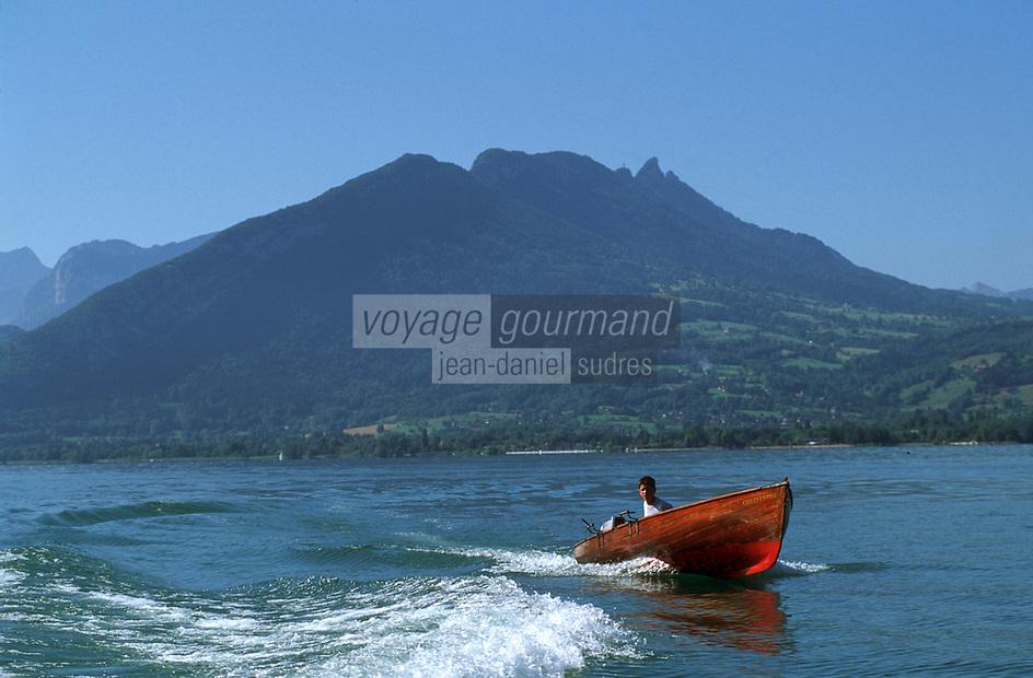Europe/France/Rhône-Alpes/74/Haute-Savoie/Annecy: Sur le lac en canot à moteur en acajou