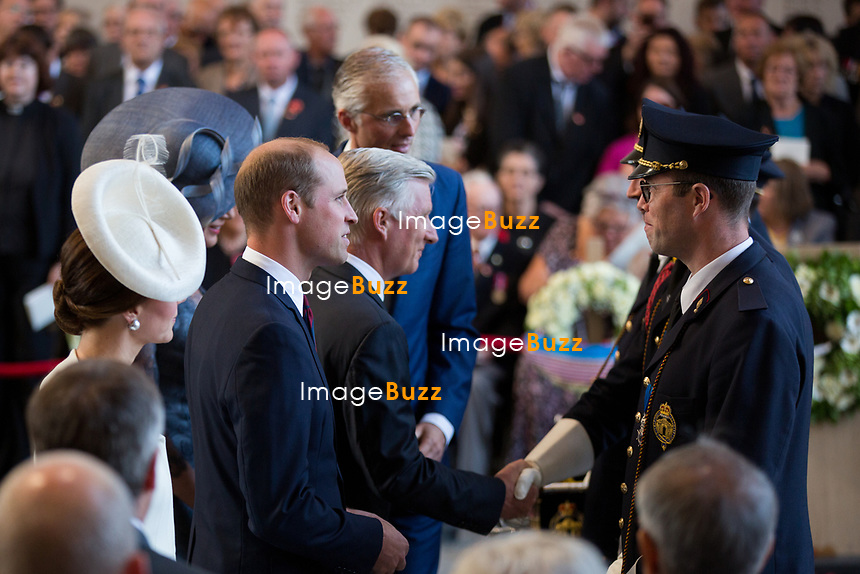 Le Prince William, Kate Middleton, le roi Philippe de Belgique et la reine Mathilde de Belgique assistent aux comm&eacute;morations du centenaire de la troisi&egrave;me Bataille d'Ypres, la Bataille de Passendale.<br /> Belgique, Ypres, 30 juillet 2017.<br /> Prince William &amp; Kate Middleton, the Duke and Duchess of Cambridge, accompanied by King Philippe of Belgium, Queen Mathilde of Belgium attend the Last Post ceremony at the Commonwealth War Graves Commission Ypres (Menin Gate) Memorial, celebrating the centenary of Passchendaele &ndash; The Third Battle of Ypres in Belgium.<br /> Belgium, Ypres, 30 July 2017.