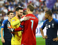 Torwart Hugo Lloris (Frankreich, France) und Torwart Manuel Neuer (Deutschland Germany) - 16.10.2018: Frankreich vs. Deutschland, 4. Spieltag UEFA Nations League, Stade de France, DISCLAIMER: DFB regulations prohibit any use of photographs as image sequences and/or quasi-video.