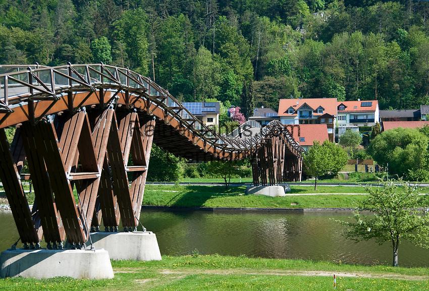 DEU, Deutschland, Bayern, Niederbayern, Naturpark Altmuehltal, bei Essing: Holzbruecke (193 Meter Spannweite) ueber die Altmuehl und den Main-Donau-Kanal) | DEU, Germany, Bavaria, Lower Bavaria, Natural Park Altmuehltal, near Essing: wodden bridge (193 m span length) across river Altmuehl and Main-Danube-Canal