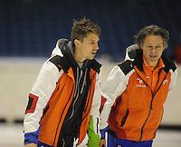 SCHAATSEN: HEERENVEEN: 02-10-2014, IJsstadion Thialf, Topsporttraining, Kip Carpenter (ass. trainer shorttrack NED), Jeroen Otter (trainer/bondscoach shorttrack),  ©foto Martin de Jong