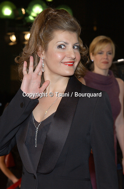 Nia Vardalos arrives at the 29th People's Choice Awards at the Pasadena Civic Auditorium in Pasadena, CA, January 12, 2003.          -            VardalosNia05.jpg
