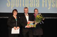 SPORT ALGEMEEN: HEERENVEEN: Sportstad, Sportgala Fryslân, 15-03-2012, Bertjan van der Veen (Friese Sportprijs - Oeuvreprijs), Afke Hijlkema © foto Martin de Jong