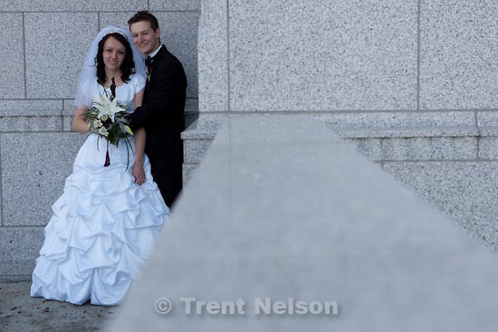 Trent Nelson  |  The Salt Lake Tribune.Draper - Jacob Ovard wedding at LDS temple. Friday, November 20, 2009.