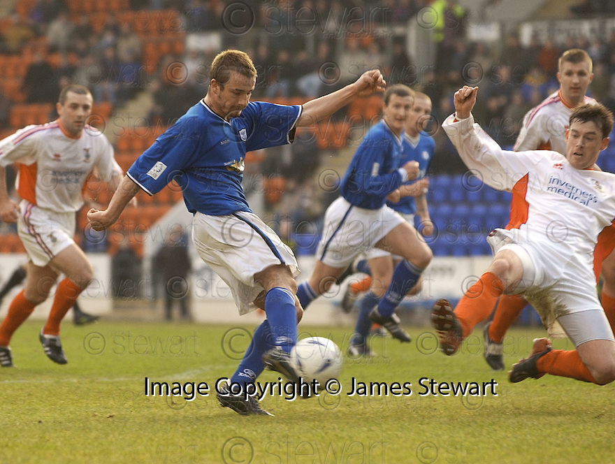 20040313     Copyright Pic : James Stewart.File Name : jspa04_stjohn_v_ict..KEIGAN PARKER CELEBRATES SCORES ST JOHNSTONE'S LATE WINNER........James Stewart Photo Agency 19 Carronlea Drive, Falkirk. FK2 8DN      Vat Reg No. 607 6932 25.Office     : +44 (0)1324 570906     .Mobile  : +44 (0)7721 416997.Fax         :  +44 (0)1324 570906.E-mail  :  jim@jspa.co.uk.If you require further information then contact Jim Stewart on any of the numbers above.........