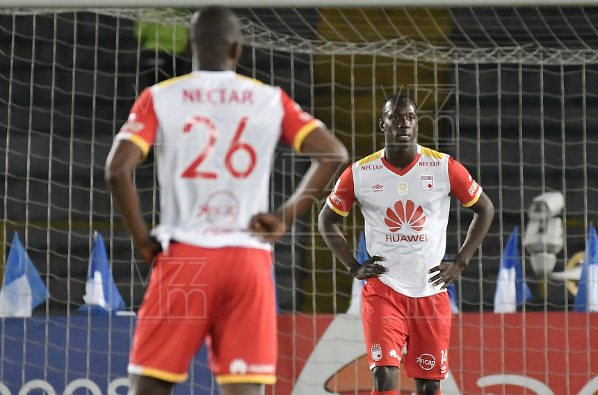 BOGOTA - COLOMBIA -19 -03-2017: Baldomero Perlaza jugador de Santa Fe luce decepcionado después de la derrota de su equipo en el encuentro con Independiente Santa Fe partido por la fecha 10 de la Liga Aguila I 2017 jugado en el estadio Nemesio Camacho El Campin de la ciudad de Bogota. / Baldomero Perlaza player of Santa Fe looks disappointed after the defeating of their team in the match against Independiente Santa Fe for the date 10 of the Liga Aguila I 2017016 played at the Nemesio Camacho El Campin Stadium in Bogota city. Photo: VizzorImage / Gabriel Aponte / Staff.