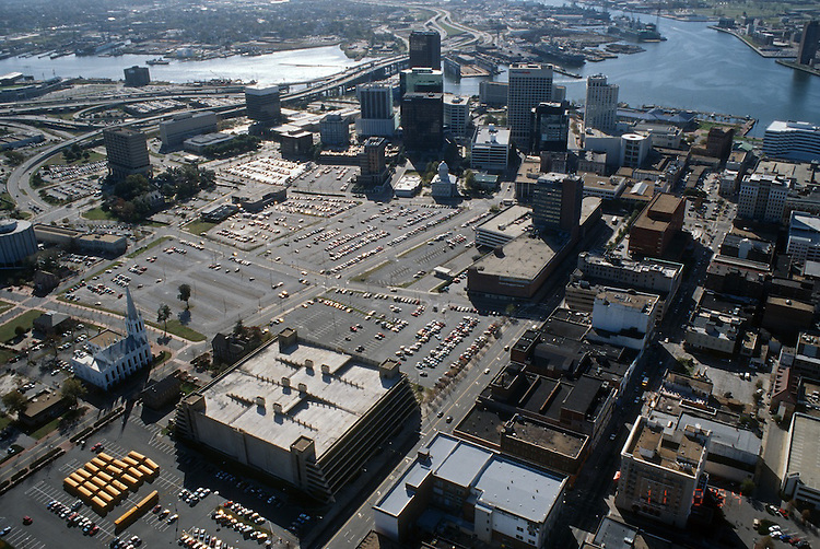 1994 November 09.Redevelopment..Macarthur Center.Downtown North (R-8)..BEFORE.LOOKING SOUTHEAST...NEG#.NRHA#..