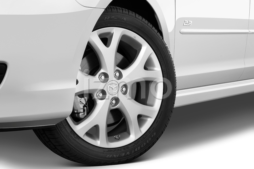 Tire and wheel close up detail view of a 2009 Mazda3 5-Door Sport