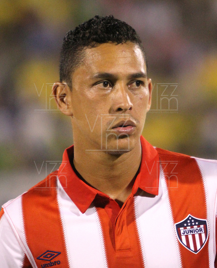 NEIVA -COLOMBIA-25-01-2014. Jamell Ramos jugador del Atletico Junior antes de su encuentro contra el Atletico Huila   durante partido por la fecha 1 de la Liga Postobón I 2014 jugado en el estadio Guillermo Plazas Alcid   de la ciudad de Neiva./ Jamell Ramos  player  of Atletico Junior  before  game between Atletico Huila and  Atletico Junior during match  1 League Postobón 2014 I played in Guillermp Plazas Alcid  Stadium city of Neiva. Photo: VizzorImage / Felipe Caicedo / Staff