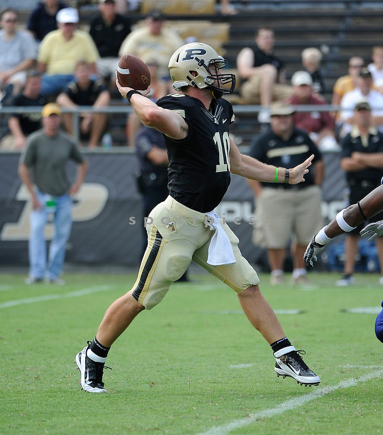 CALEB TERBUSH, of the Purdue Boilermakers, in action during the Boilermakers game against Middle Tennessee State at Ross-Ade Stadium in West Lafayette, IN. Purdue beat Middle Tennessee State 27-24.