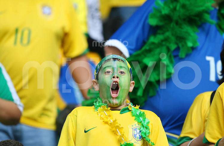 Fussball WM 2006        Brasilien - Ghana Ein junger brasilianischer Fan mit leichter Aehnlichkeit zu RONALDO.