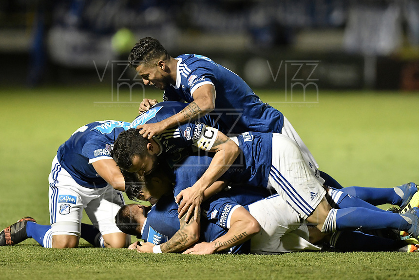 TUNJA -COLOMBIA, 29-07-2018. Jugadores de Millonarios celebran el segundo gol anotado a Patriotas Boyacá durante partido por la fecha 2 de la Liga Águila II 2018 realizado en el estadio La Independencia de Tunja. / Players of Millonarios celebrate the second goal against Patriotas Boyaca during match for the date 2 of Aguila League II 2018 played at La Independencia stadium in Tunja. Photo: VizzorImage/ Gabriel Aponte / Staff