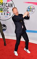 Justin Mikita &amp; Jesse Tyler Ferguson at the 2017 American Music Awards at the Microsoft Theatre LA Live, Los Angeles, USA 19 Nov. 2017<br /> Picture: Paul Smith/Featureflash/SilverHub 0208 004 5359 sales@silverhubmedia.com