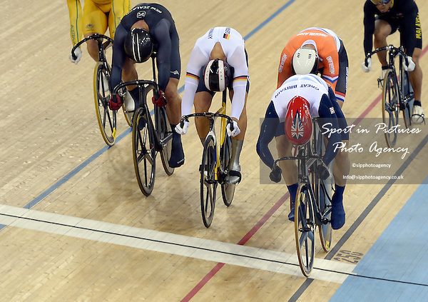 Chris Hoy (GBR, Great Britain) crosses the line first in the Kierin. Track Cycling - PHOTO: Mandatory by-line: Garry Bowden/SIP/Pinnacle - Photo Agency UK Tel: +44(0)1363 881025 - Mobile:0797 1270 681 - VAT Reg No: 768 6958 48 - 07/08/2012 - 2012 Olympics -Velodrome, Olympic Park, London, England