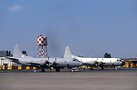 - US navy air force base of Sigonella (Sicily), antisubmarine aircraft P3 Orion ....- base aerea della marina USA a Sigonella (Sicilia), aerei antisommergibili P3 Orion ..