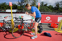 26 JUL 2008 - TREDEGAR, UK - Jess Towl prepares in transition before the race - British Elite Triathlon Championships. (PHOTO (C) NIGEL FARROW)