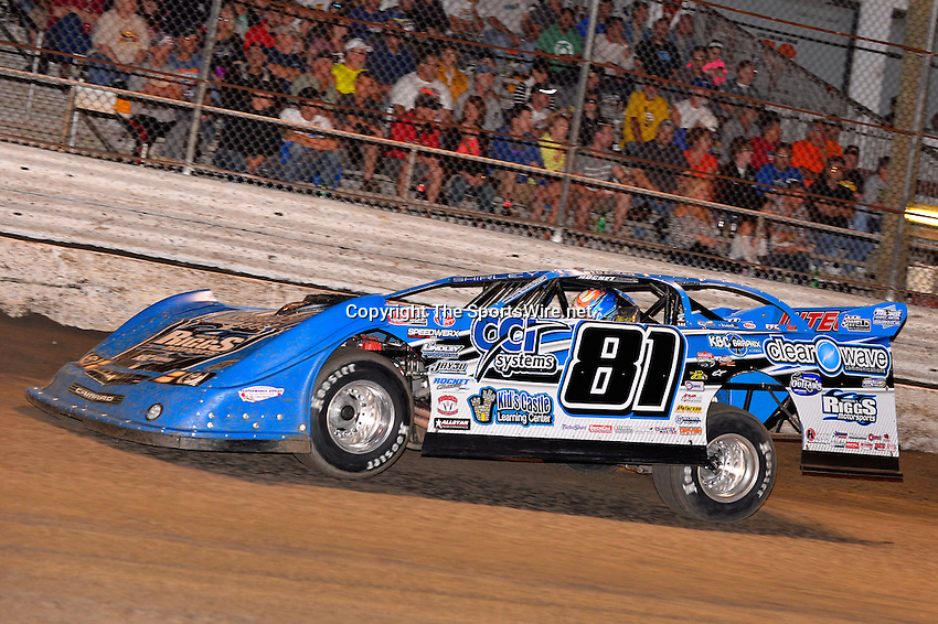 Feb 20, 2014; 7:02:56 PM;  Barberville, FL, USA;  World of Outlaws Late Model Series for 43rd Annual DIRTcar Nationals presented by Summit Racing Equipment at Volusia Speedway Park.  Mandatory Credit: (thesportswire.net)
