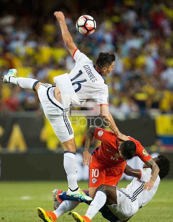 Action photo during the match Colombia vs Chile, corresponding to the semifinals of the America Cup Centenary 2016, at Soldier Field Stadium.<br /> <br /> Foto de accion durante el partido Colombia vs Chile correspondiente a la Semifinales de la Copa America Centenario 2016, en el Estadio Soldier Field, en la foto: (i-d) Daniel Torres de Colombia y Pedro Pablo Hernandez de Chile<br /> <br /> <br /> 22/06/2016/MEXSPORT/Jorge Martinez