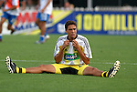 12 Jun 2004: Manny Lagos stretches out before the game. The Columbus Crew and Kansas City Wizards tied 2-2 at Crew Stadium in Columbus, OH during a regular season Major League Soccer game..