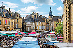 A very busy market day in Sarlat-la-Canéda.